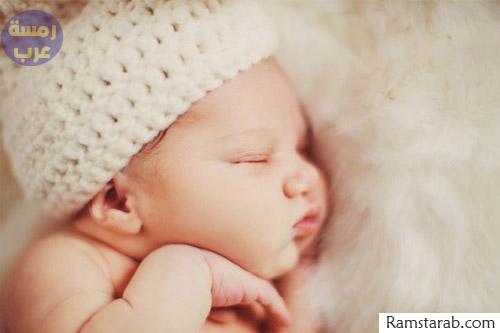 صورة طفلة نائمة