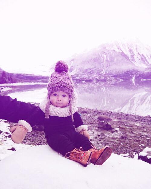 صورة طفل فى الشتاء