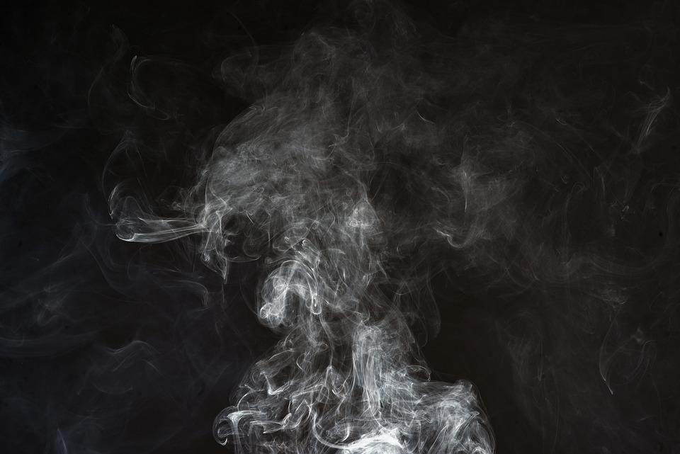 خلفيات دخان اسود