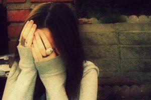 صور بنات حزينة للفيس بوك147