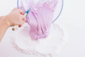 طريقة تحضير عجينة السكر